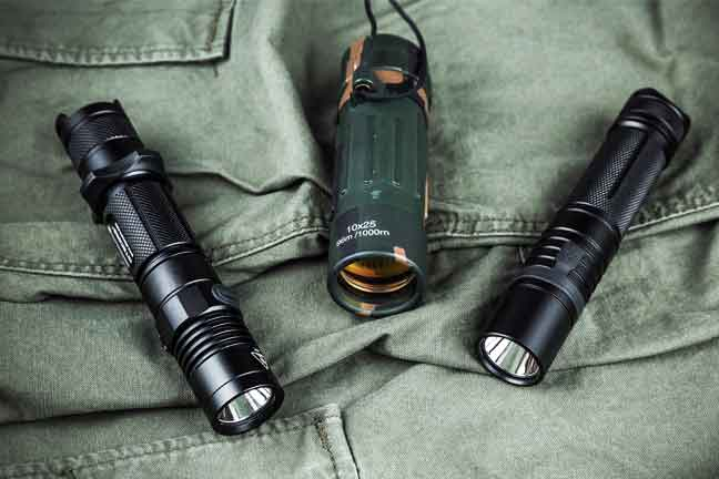 Best Rechargeable Flashlight Under 50 Dollars (Buying Guide 2020)